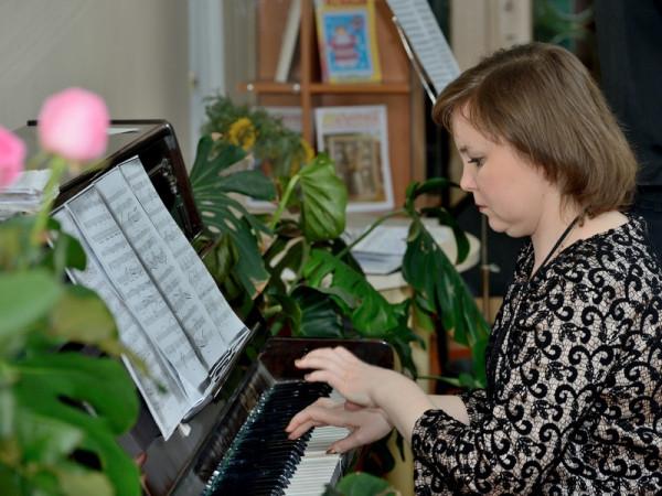 Концертмейстер - преподаватель колледжа  Ирина Озерова