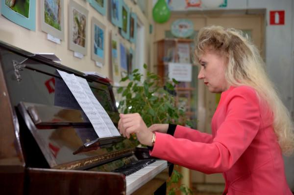 Фортепианный концерт в исполнении Ларисы Тачаевой